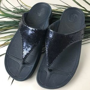 FitFlop. Navy blue sequin thong sandals